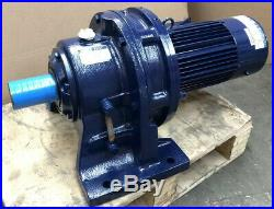 New Sumitomo Cyclo 2.2kW 3-Phase Electric Motor Gearbox Straight Drive 17RPM